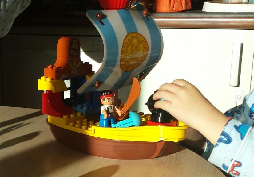 Test jouet de no l n 5 le bateau jack et les pirates de - Jack et le pirate ...
